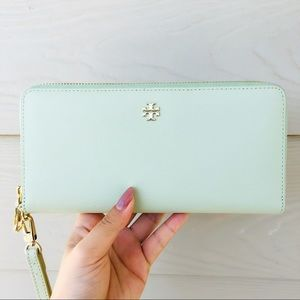 Tory Burch Mint Green Logo Robinson Wallet